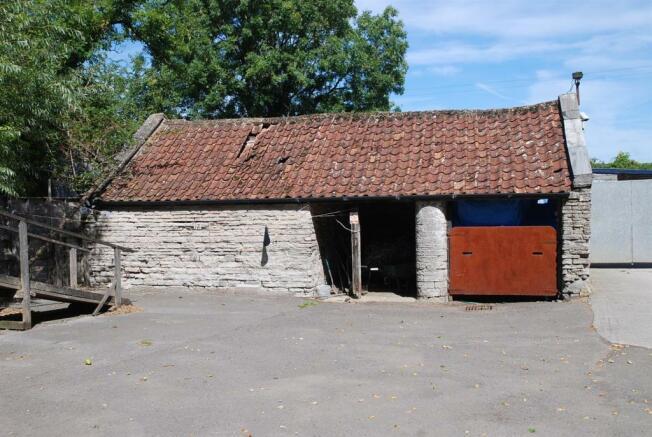 stone barn (Lot B)