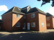 EAST KENT AVENUE Detached house to rent