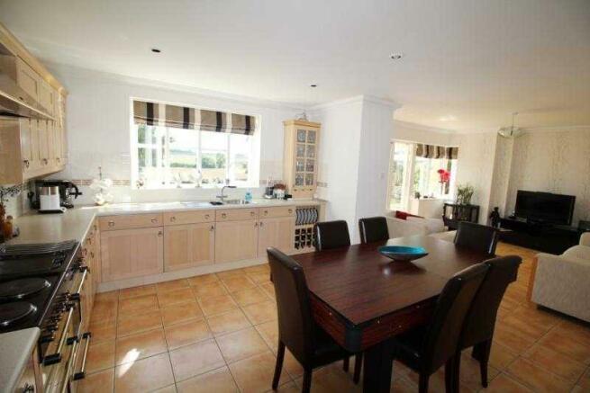 Kitchen/Breakfast area