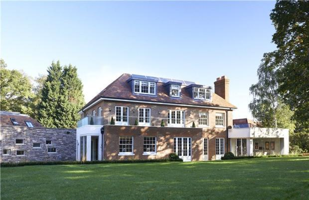 7 bedroom detached house for sale in warren cutting kingston upon thames kt2