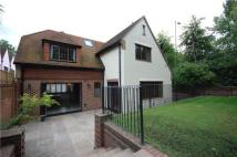 4 bedroom Detached home in Coombe Lane West...