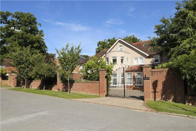 6 Bedroom Detached House For Sale In Coombe Park Kingston Upon
