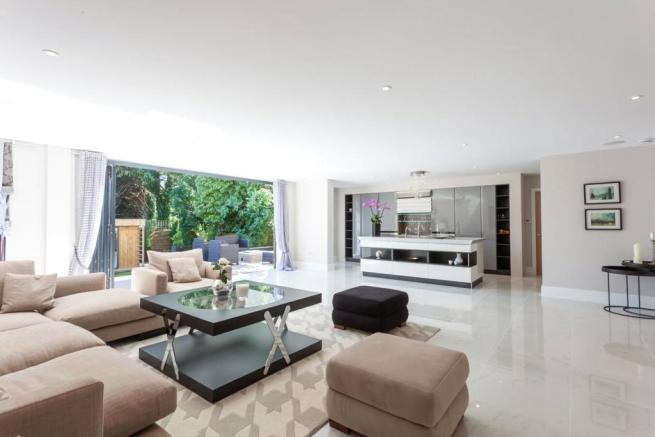 Drawing Room/Kitchen