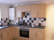 2 bedroom End of Terrace house to rent in Ashton Street...