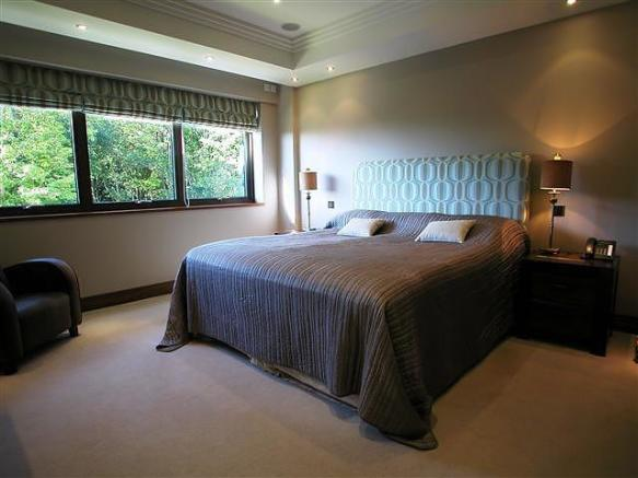 2 bedroom property t