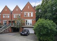 property to rent in Chapel Square, Virginia Park, Virginia Water, Surrey, GU25