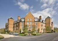 2 bedroom Flat in Gillespie House...