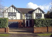property to rent in Kingswood Rise, Englefield Green, TW20