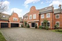 6 bedroom Detached property in Heathfield Avenue...