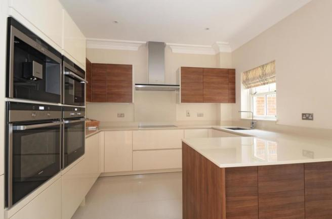 4 bedroom property h