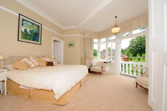 7 bed propeerty to r