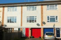 3 bedroom house for sale in Chatfield Road...