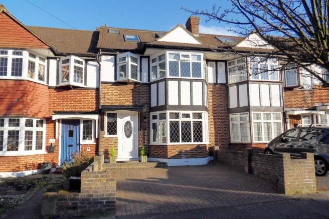 4 bedroom terraced house for sale in dudley drive morden for Morden houses for sale