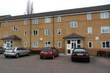 2 bedroom Flat in Beaver Close, Morden, SM4