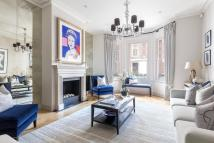 Terraced home to rent in Cheyne Row, London, SW3
