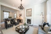 Apartment in Cathcart Road, London...