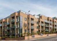 new Apartment in 3 Goldstone Crescent...