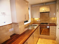 2 bedroom Flat in ARGYLL CLOSE, London, SW9