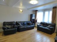 3 bedroom Flat in Stockwell Road, London...