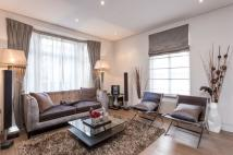 3 bed Apartment to rent in Stratton Street, London