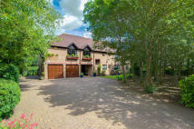 6 bedroom Detached property for sale in Willen