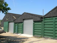 property to rent in Brentwood Road, West Horndon, CM13