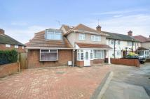 5 bed semi detached property for sale in Campion Close...