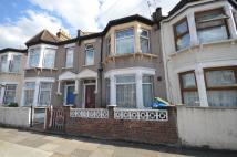 1 bedroom Ground Flat in Whyteville Road, London...