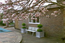 Apartment to rent in The Ridgeway, Tonbridge