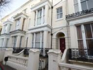 Studio apartment in Buckingham Road...