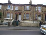 2 bed property in Trafalgar Road...