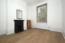 4 bedroom Maisonette to rent in Victoria Road, London...