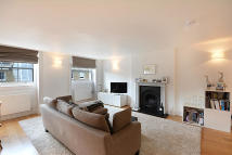 2 bedroom Flat in Harley Street, London...