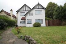 5 bed Detached home in Woodcote Grove Road