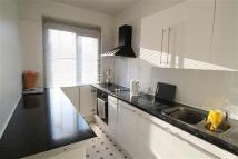 Apartment to rent in Chipstead Valley Road