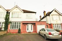 4 bed property in Holmdale Gardens, Hendon...
