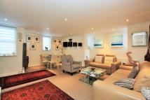 2 bedroom Apartment in Heathview Court...