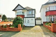 3 bedroom property in Elliot Road, Hendon, NW4