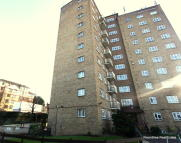 2 bed Flat in Orchard Mead...