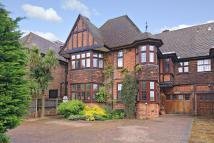 6 bed house in Wykeham Road, Hendon, NW4