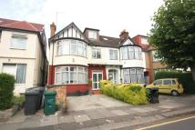 Flat to rent in The Drive, Golders Green...