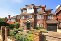 9 bed home to rent in Grosvenor Gardens...