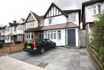 3 bedroom house in Golders Rise, Hendon, NW4
