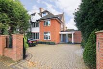 6 bedroom property for sale in The Ridgeway...