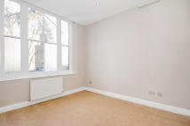 Ground Flat for sale in Deerbrook Road, London...
