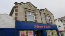 2 bedroom Flat in Regent Street, Shanklin...