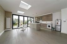 5 bedroom semi detached house in Thornfield Avenue...