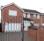 5 bedroom Detached property for sale in Beechwood Close, Clayton...