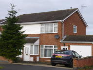 3 bed semi detached house to rent in Wardour Drive, Grantham...
