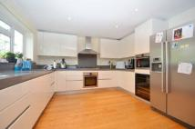 4 bed Detached house in Tudor Way, Hillingdon...